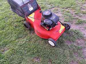 Rover 4 stroke lawnmower Clarence Town Dungog Area Preview