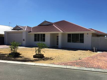 Yanchep - Brand New Home with Parking for Boat/Caravan