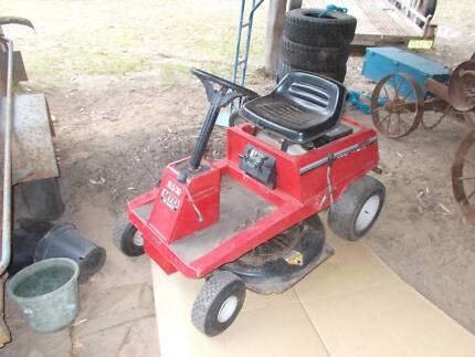 "Mtd ride on lawn mower 30"" 10.5 h/p"