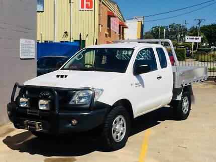 Hilux Extra Cab D4-D 3.0L Turbo Diesel 4X4, Brand new Alloy Tray.