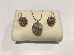 Silver Ladies Necklace and Earring Set Seaham Port Stephens Area Preview
