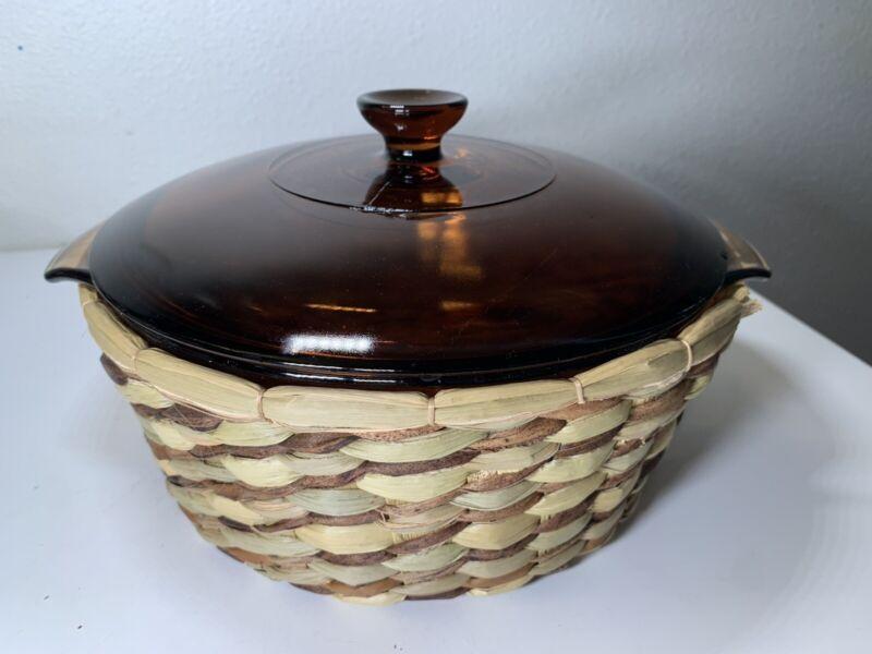 Vintage Anchor Hocking Harvest Amber Basket Buffet 2 Qt Round Casserole Dish EUC