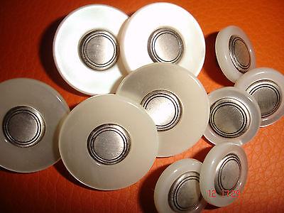 5 Knöpfe perlmuttig natur silbriger Metalleinleger 22mm Annähöse  W114.4