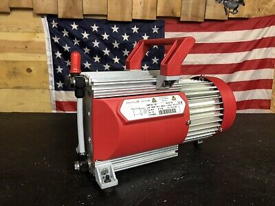 Pfeiffer Vacuum Pump Mvp 030-3ac