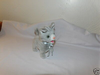 RARE Westminster Electronic Gray Striped Walking Sounds  Tail Wagging CAT (G7)