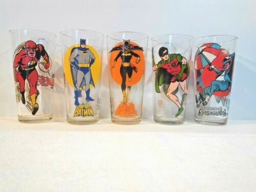 LOT of 5 Vintage Glass Pepsi Collector,and super Series 1970