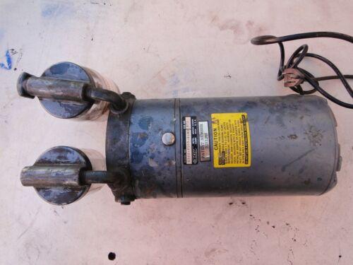 GAST Dual Vacuum Pump GE AC Motor Single Phase 115V 5.6A Used