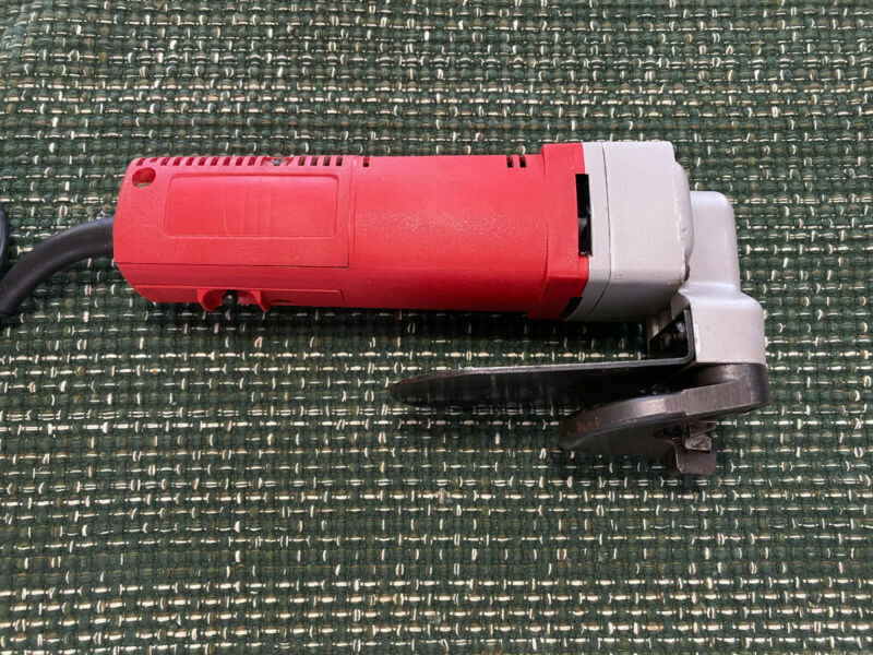 Milwaukee 6815 Electric 14 Gauge Double Insulated Shear 5 amp 4000 SPM
