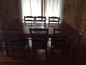 Solid hardwood 8 seat dining suite Karana Downs Brisbane North West Preview