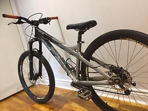 Specialized p2 dirt jump / park / mountain bike