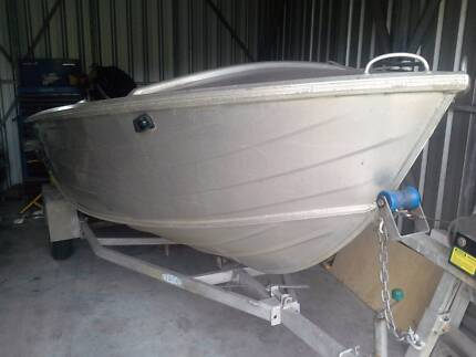 Quintrex 420 Dory Widebody Boat, Tinny 4.2m Ingham Hinchinbrook Area Preview