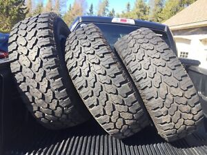37x13.5R20 ProComp Xtreme A/T tires. Practically New!