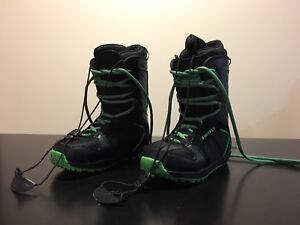 Firefly Youth Snowboard Boots Size 5