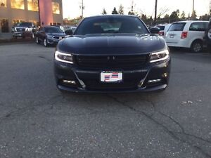 2017 Dodge Charger SXT w/ Navigation, Sunroof and more