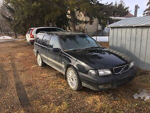 Volvo v70xc for parts or project