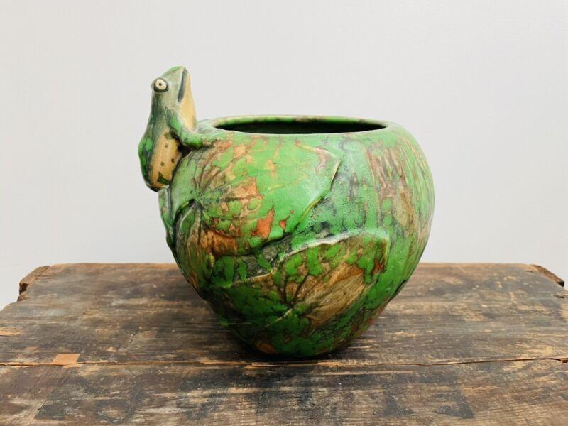 Excellent 1920s Weller Pottery Frog Green Coppertone Vase