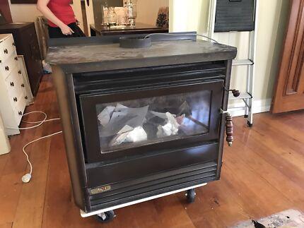 Heat Charm wood heater NEGOTIABLE