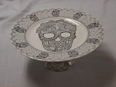 Halloween Pedestal Cake Stand (222 FIFTH SKULL LACE footed/pedestal cake stand plate NEW! Halloween)