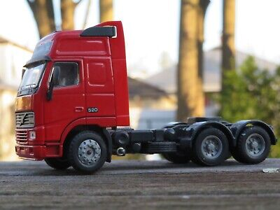 Joal 1/50 Volvo FH16 Globetrotter XL 520 tractor