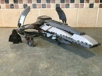 LEGO set 7663 Sith Infiltrator - Star Wars Episode 1,2,3.