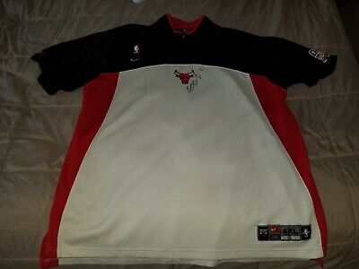 a2541e78cd9 Eddy Curry Autographed Game used Chicago Bulls warm up shirt