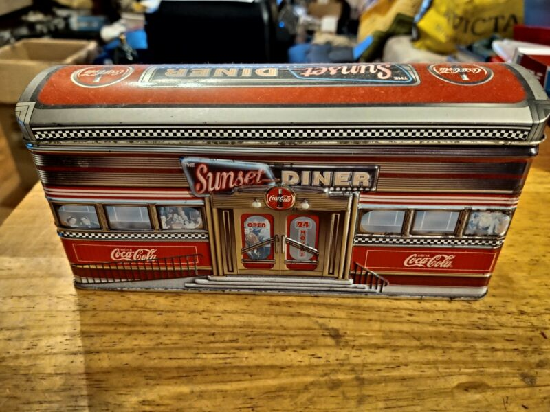 COCA-COLA SUNSET DINER COLLECTIBLE TIN