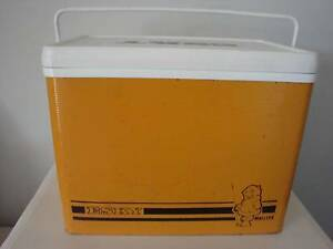 Vintage Malleys Esky / Cooler PLUS Ice Pack Marangaroo Wanneroo Area Preview