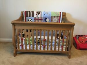 Crib Set with Dresser and Change Table