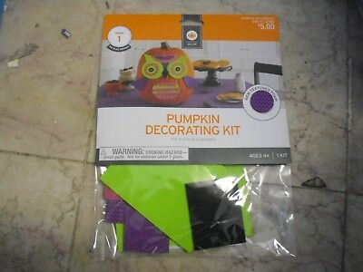 HALLOWEEN OWL PUMPKIN DECORATING KIT FOR 9 TO 13 IN PUMPKINS NO GLUE