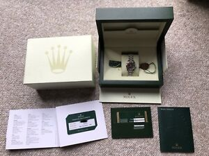 Ladies Rolex DateJust 26mm 179174 (w/ box and papers)