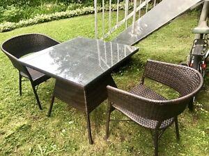 Table extérieur + 4 chaises