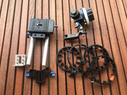 DSLR baseplate with a follow focus