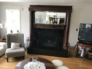 Gorgeous mantle with columns