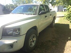 09 Dodge Dakota
