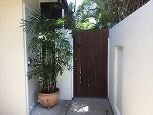Holiday let or short term let granny flat at Holloways Beach. Holloways Beach Cairns City Preview