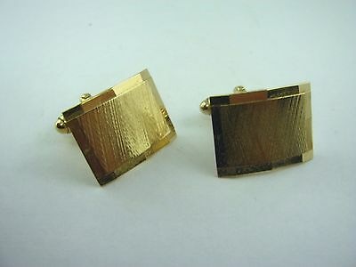 Vintage Cufflinks Jewelry: Curved Gold Tone Rectangle Clever Design - Clever Male Costumes