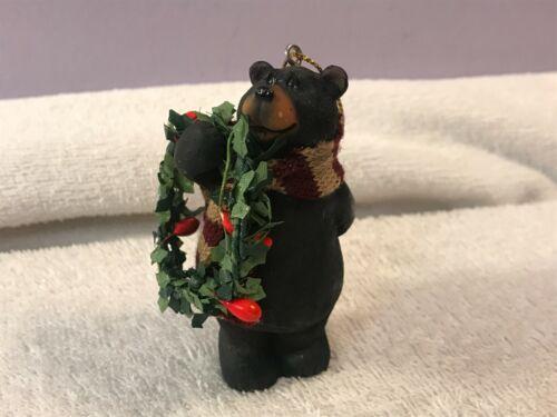 Christmas ornament bear w/scarf and wreath EX5612