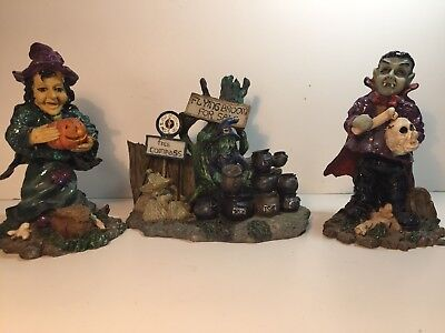 """Halloween 2 Bobble Heads Witch And Vampire 5"""" & Flying Brooms For Sale - Witch Brooms For Sale"""
