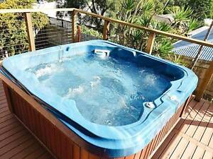 Heritage 8 person Spa Excellent Condition Bundall Gold Coast City Preview