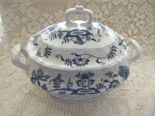 BLUE DANUBE LARGE OVAL TUREEN with LID BLUE ONION JAPAN RIBBON LOGO #99183