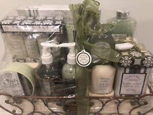 Gift Sets brand new  ( Men and Women)