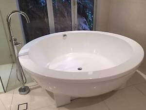 Bath Tub Freestanding Round Elegant Modern Acrylic 1800 x 600 Mosman Mosman Area Preview