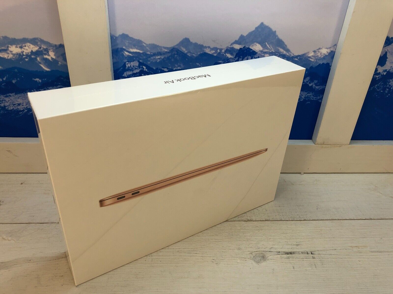 "Apple MacBook Air Touch ID 2020 13"" Laptop 512GB Gold Brand"