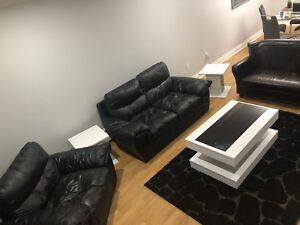 SELLING WHOLE LIVING ROOM / FAMILY ROOM SET