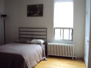 5 1/2 rue Lacombe, 3 chambres, JUILLET