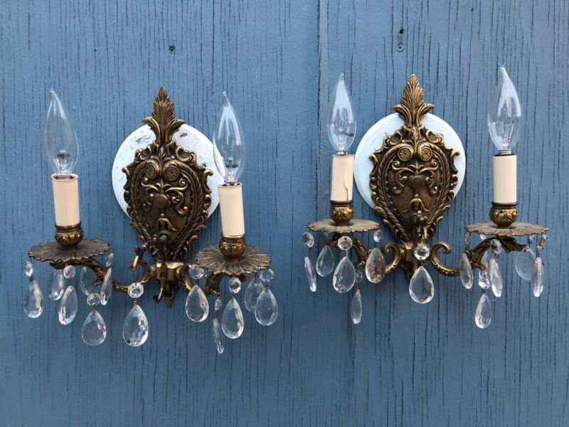 Vintage 1960 Brass wall light Sconces - Leaded crystal Prism Glass
