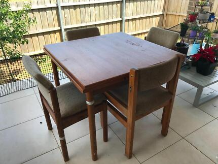 Wooden dining table for free