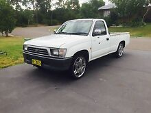 Toyota hilux 1999 Beresfield Newcastle Area Preview