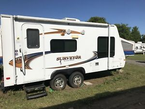 2011 Hybrid Travel Trailer