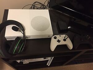 Xbox One S 1TB Hard Drive and Turtle Beach Stealth 500X Headset